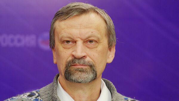 Член Союза писателей, главный редактор журнала Пампасы Юрий Нечипоренко
