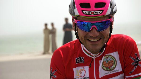 Испанский велогонщик Рафаэль Вальс на многодневке Тур Омана
