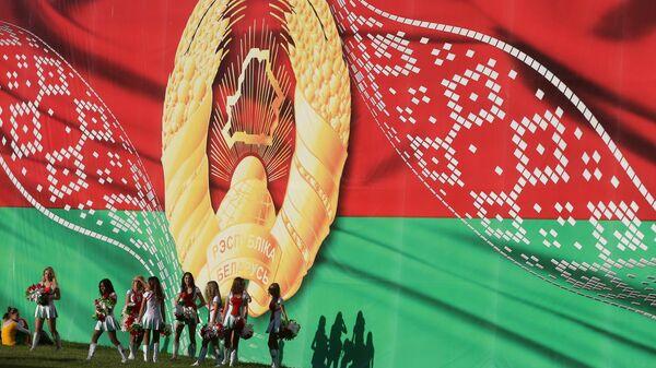 Участницы театрализованного шествия Беларусь - от освобождения к независимости  в честь Дня Независимости Белоруссии