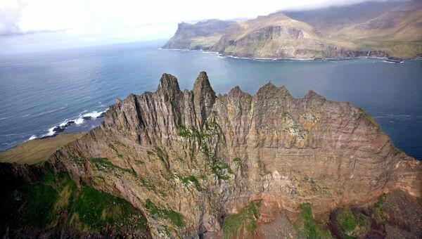 Вид с воздуха на остров Тиндхёльм, Фарерские острова. Архивное фото