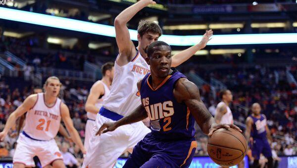 Алексей Швед в матче Нью-Йорк Никс - Финикс Санз в НБА, 15 марта 2015