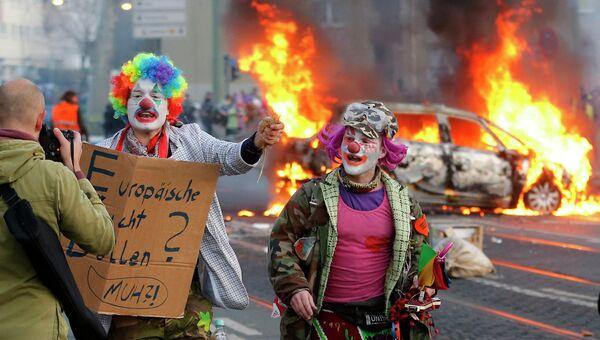 Беспорядки устроенные анти-капиталистическим движением Blockupy на улицах Франкфурта-на-Майне