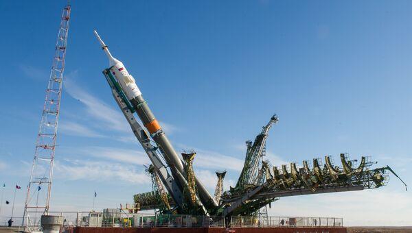 Вывоз на старт ракеты Союз-ФГ. Архивное фото