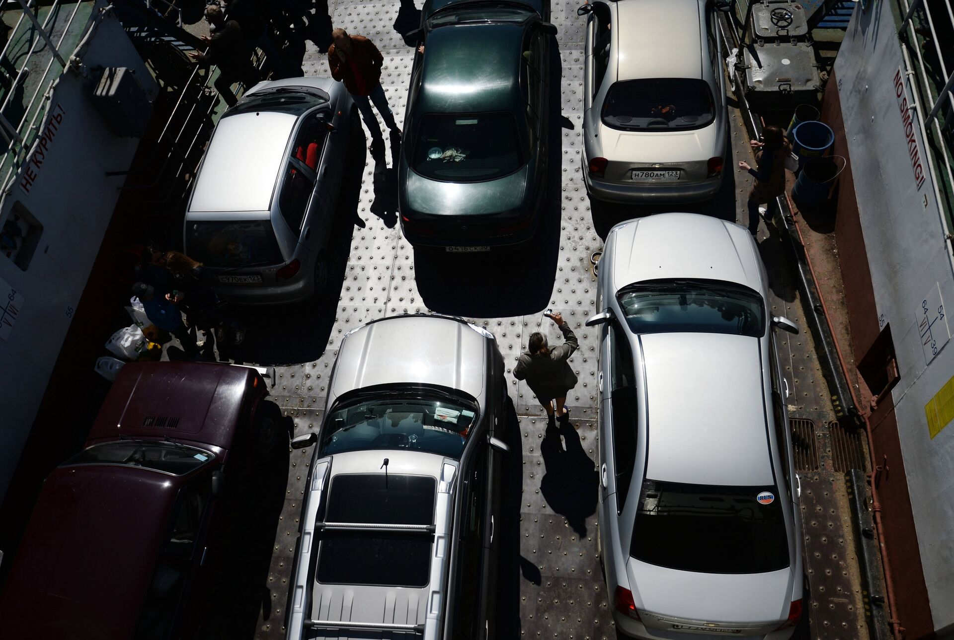 Автомобили на пароме Керченской паромной переправы - ПРОФИ Новости, 1920, 06.04.2021