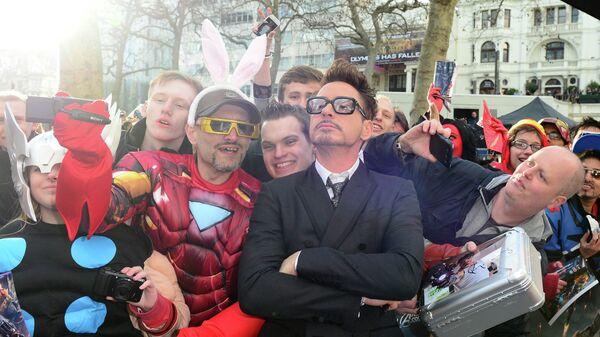 Актер Роберт Дауни младший на премьере фильма Железный человек 3 в Лондоне, Великобритания