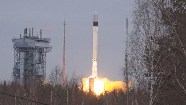 Ракета-носитель Рокот стартовала с космодрома Плесецк. Кадры запуска