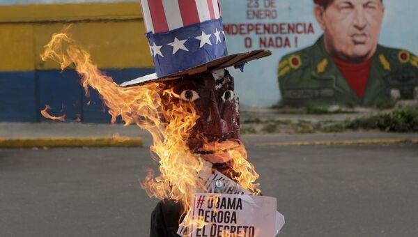Чучело Барака Обамы, сожженное на Пасху в Венесуэле