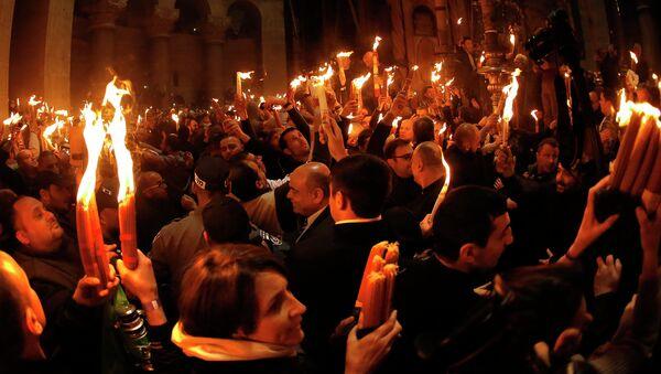 Церемония схождения Благодатного Огня. Архивное фото