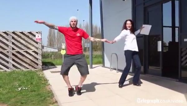 Танцующий почтальон