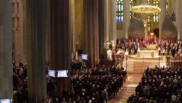 Память жертв авиакатастрофы A320 почтили в барселонском соборе
