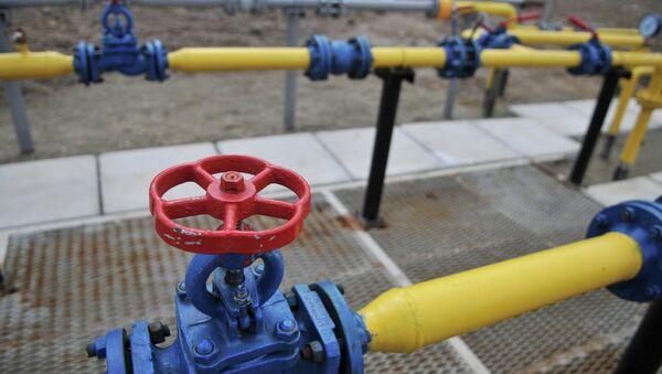 Компрессорная установка месторождения природного газа, архивное фото