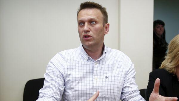Алексей Навальный в Люблинском суде перед началом заседания 13 мая 2015