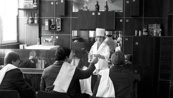 Пациенты во время курса лечения в наркологической больнице № 17