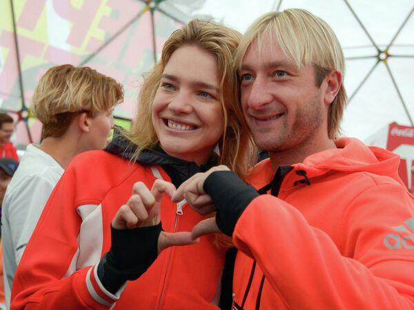 Топ-модель, основательница фонда Обнаженные сердца Наталья Водянова и фигурист Евгений Плющенко