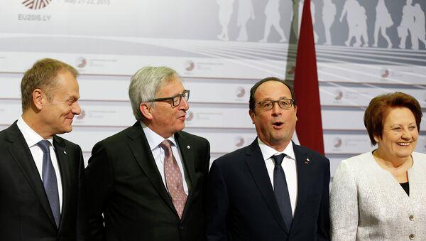 Дональд Туск, Жан-Клод Юнкер, Франсуа Олланд, Лаймдота Страуюма на саммите Восточное партнерство в Риге, Латвия. Архивное фото