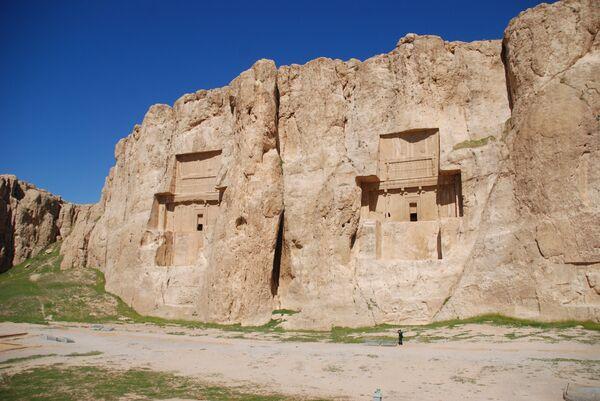 Захоронения царей из династии Ахеменидов в районе Шираза