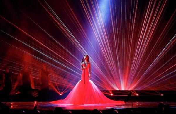 Амината Савадого из Латвии выступает в финале конкурса Евровидение