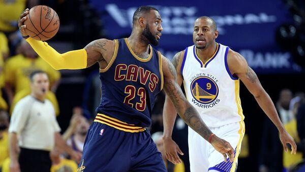 Матч Голден Стэйт - Кливленд в финальной серии плей-офф НБА, 14 июня 2015