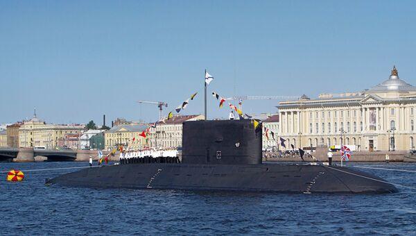 Дизель-электрическая подводная лодка Выборг на генеральной репетиции парада, посвященного Дню Военно-морского флота России в Санкт-Петербурге