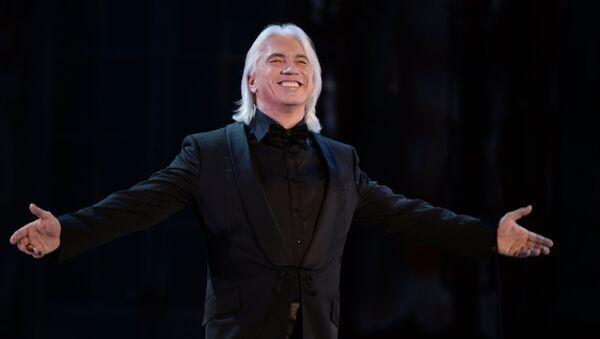 Оперный певец Дмитрий Хворостовский выступает на концерте Оперный бал, посвященный 75-летнему юбилею Е. Образцовой