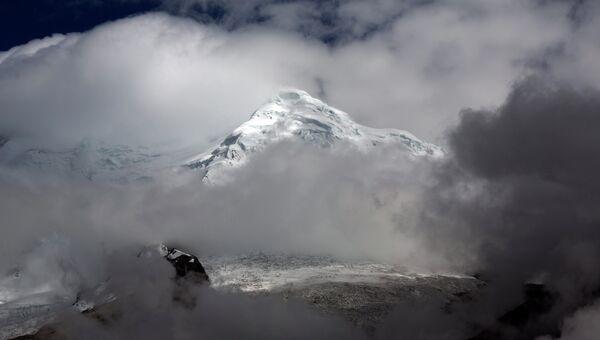 Ледник Уаскаран на горе Токъяраху в Уарас, Перу. Архивное фото