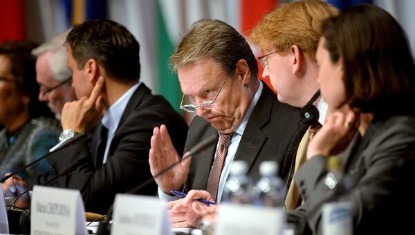 Председатель ПА ОБСЕ Илкка Канерва на 24-ой сессии Парламентской ассамблеи в Хельсинки, Финляндия