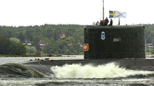 Дизель-электрическая подводная лодка проекта 877 Палтус в гавани Стокгольма. Архивное фото