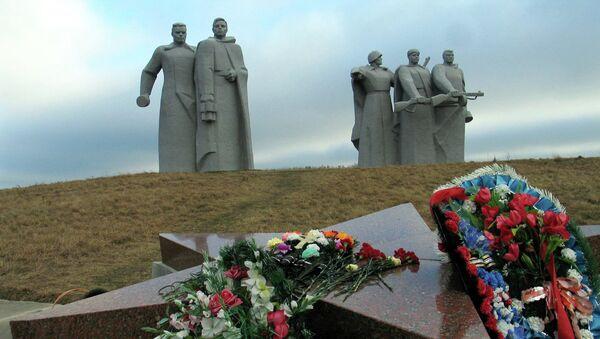 Мемориал у разъезда Дубосеково