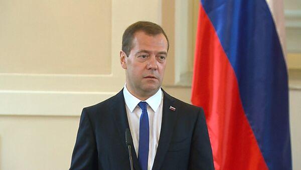Медведев и премьер Словении сошлись во мнении о негативной роли санкций