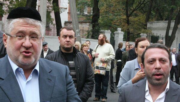 Олигарх Игорь Коломойский (слева) и бизнесмен Геннадий Корбан. Архивное фото