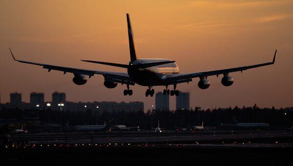 Самолет Ил-96 в аэропорту Шереметьево. Архивное фото