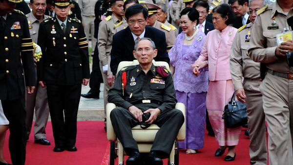 Король Тайланда Пхумипон Адульядет. Архив