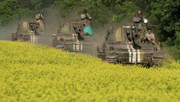 Самоходные гаубицы украинской армии возле Донецка. Архивное фото