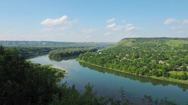 Вид на Днестр в Молдавии