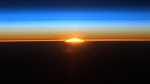 Восход солнца над Аргентиной с борта МКС. Архивное фото