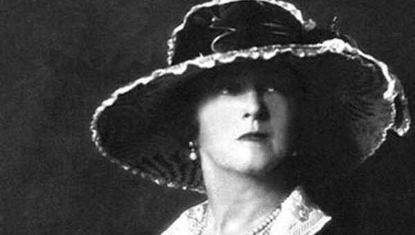 Леди Дафф Гордон  (Lady Duff Gordon) - одна из ведущих британских модельеров конца XIX — начала XX века