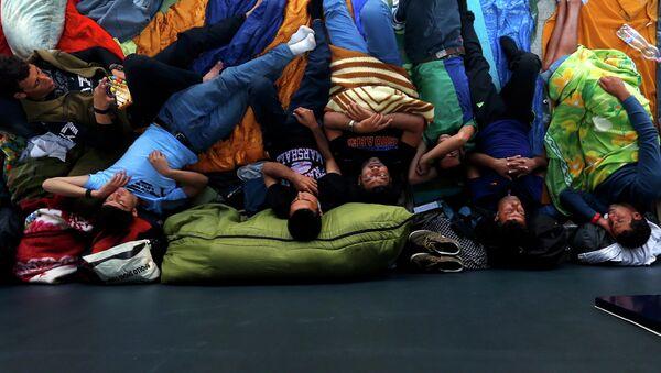 Беженцы на вокзале в Будапеште, Венгрия