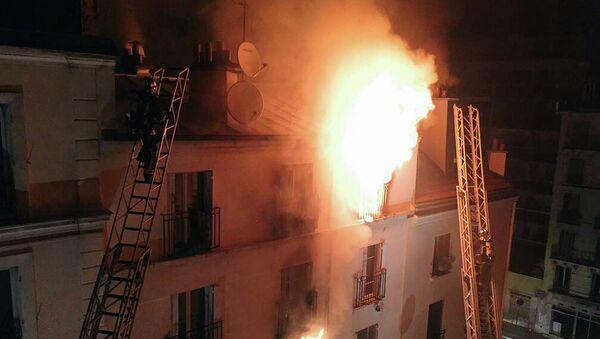Пожар в многоквартирном доме в округе Парижа. Архивное фото