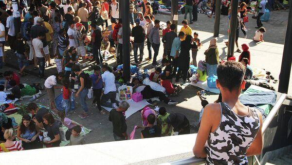 Беженцы на вокзале. Архивное фото
