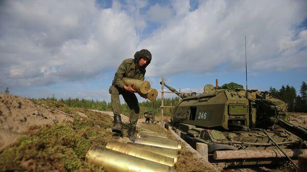Работа российских артиллеристов САУ Мста-С на одном из этапов совместного российско-белорусского оперативного учения Щит Союза