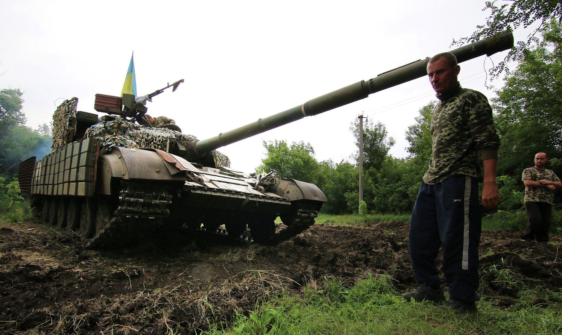 Украинский танк на позиции возле города Счастье, Луганская область - РИА Новости, 1920, 11.01.2021