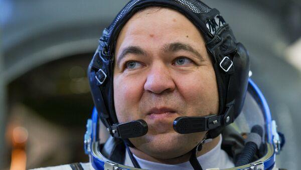 Участник дублирующего экипажа МКС-45/46/ЭП-18 космонавт Роскосмоса Олег Скрипочка во время комплексных экзаменационных тренировок. Архивное фото