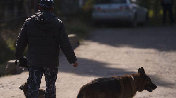 Сотрудник правоохранительных органов Киргизии в Бишкеке