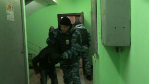 ОМОН задержал предполагаемых участников Хизб ут-Тахрир. Кадры спецоперации
