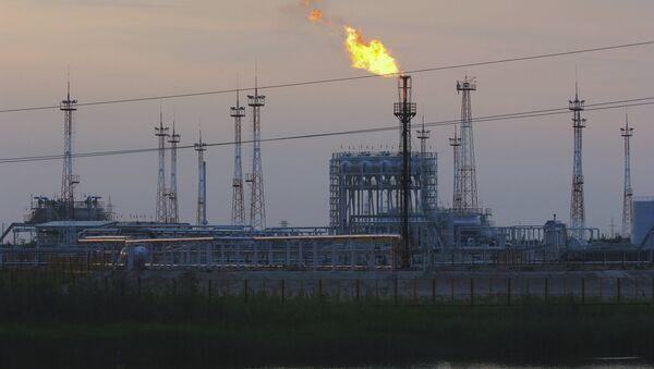 Добыча нефти. Ханты-Мансийский автономный округ. Архивное фото