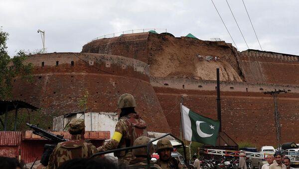 Последствия землетрясения в Пешаваре, Пакистан. Архивное фото