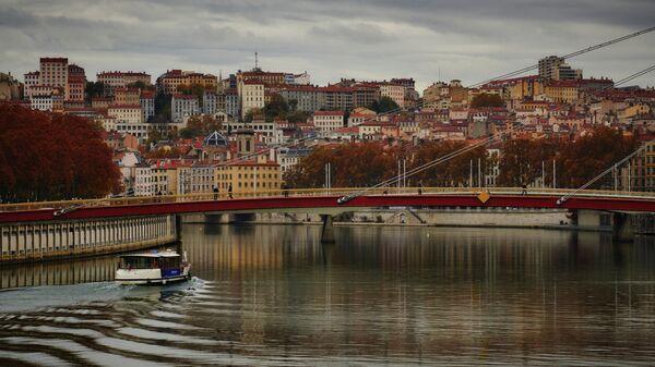 Мост Дворца Юстиции в Лионе