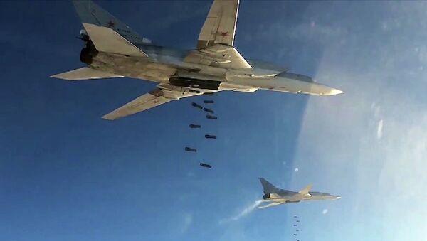 Бомбардировщики-ракетоносцы Ту-22 МЗ Военно-космических сил России во время нанесения авиаудара по объектам ИГ в Сирии. Архивное фото