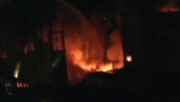 Очевидец снял пожар на Тушинском машиностроительном заводе в Москве