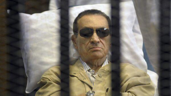 Экс-президент Египта Хосни Мубарак в суде в Каире